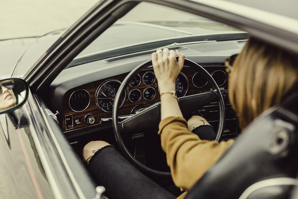 5 bonnes raisons d'acheter des voitures d'occasion en ligne