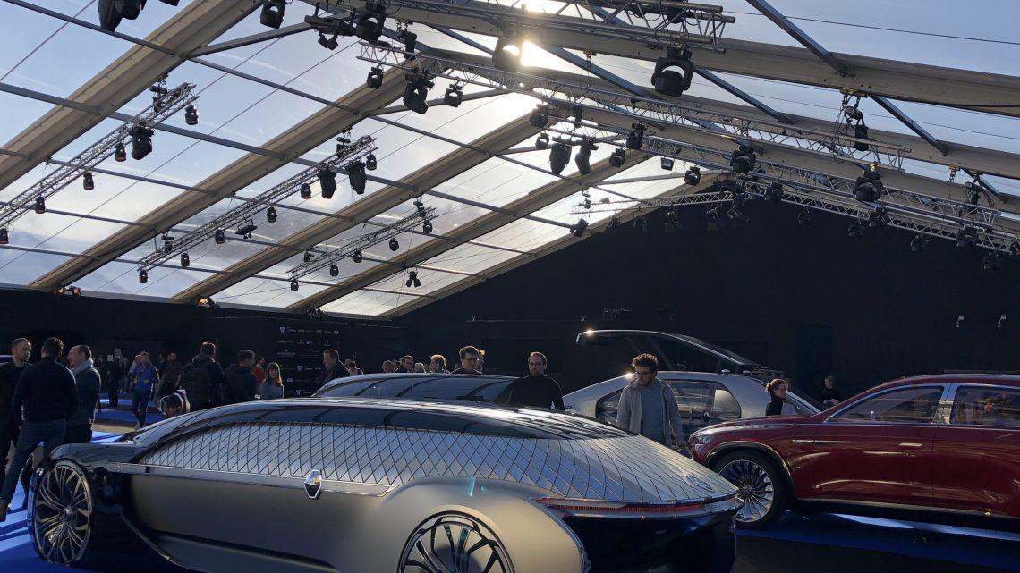 À qui s'adresse le Festival Automobile International ?
