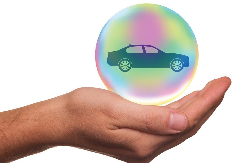 Aviser un accident à une compagnie d'assurance