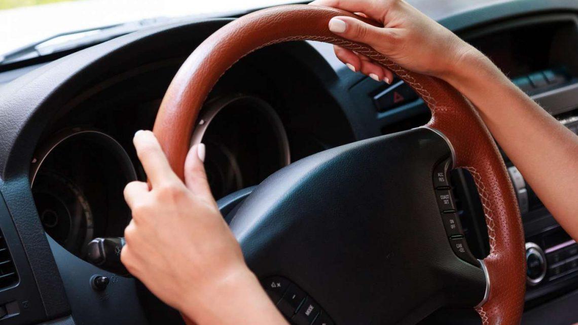 Comment choisir le bon couvre volant pour votre voiture?