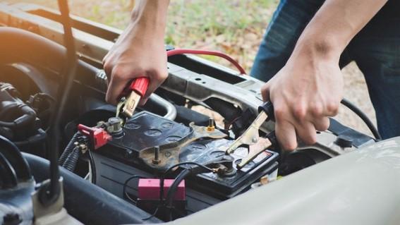 Comment protéger la batterie de sa voiture du froid