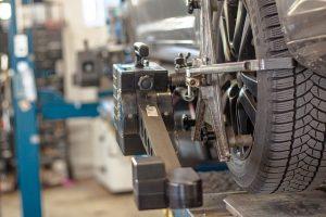 Les équipements indispensables d'un bon garagiste le pont élevateur mobile