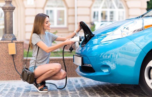 Quels sont les avantages du prêt véhicule hybride ?